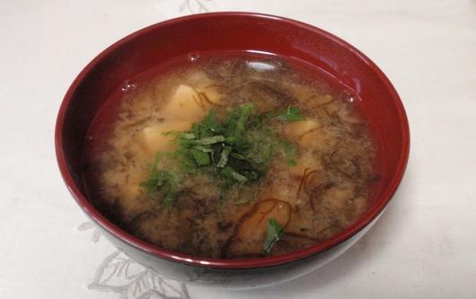 もずくと豆腐の味噌汁